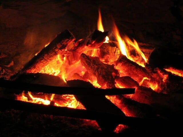 natur-erkunden.at - Lagerfeuer für Große